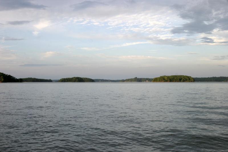 lake-keowee